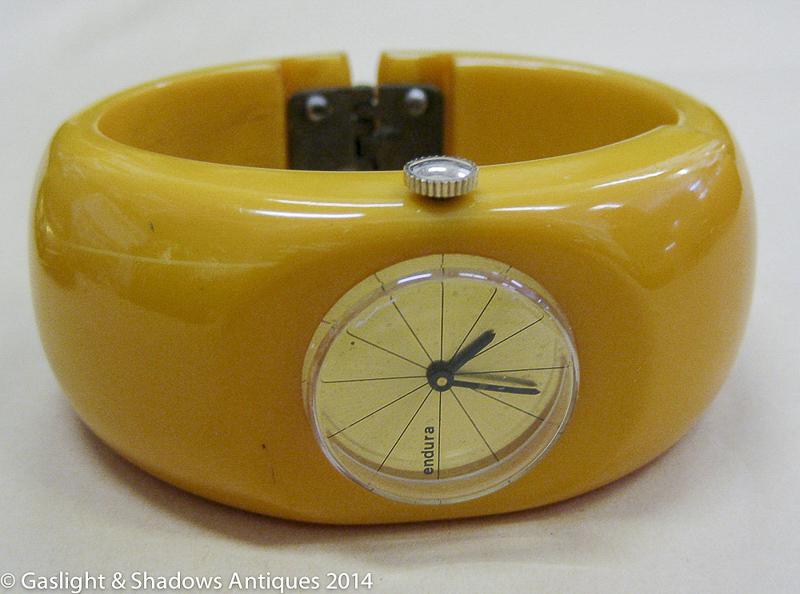 bakelite_bracelet_watch